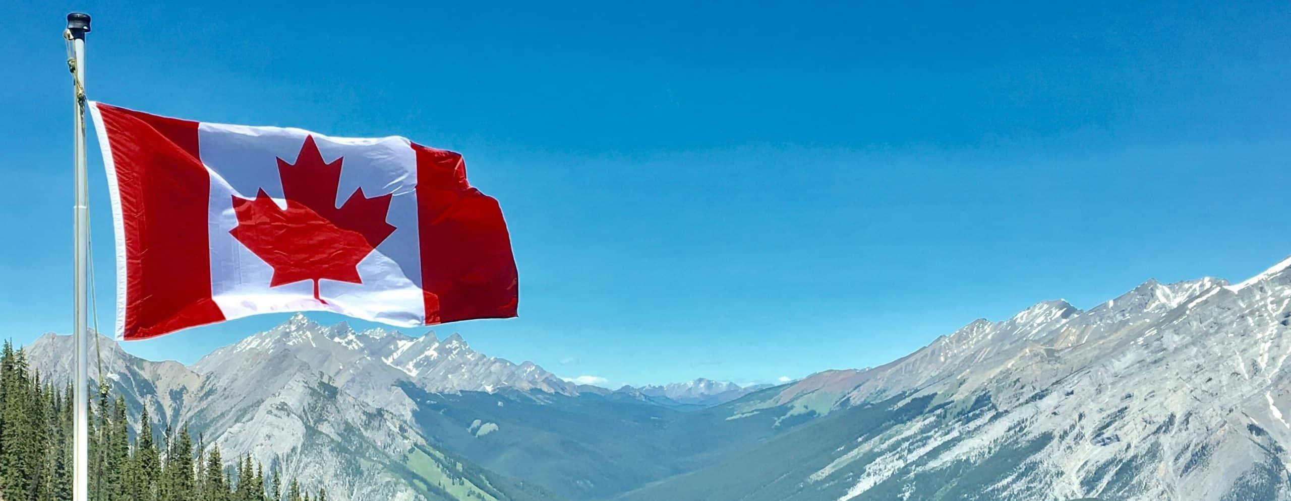drapeau-flotant-canda-québec-nature