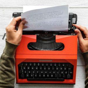 Machine-ecrire-orange-lettre-motivation